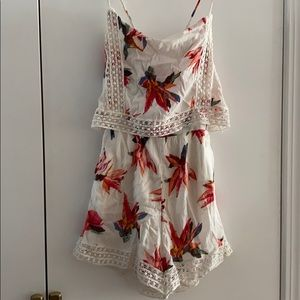 NWT Abercrombie floral romper with pockets